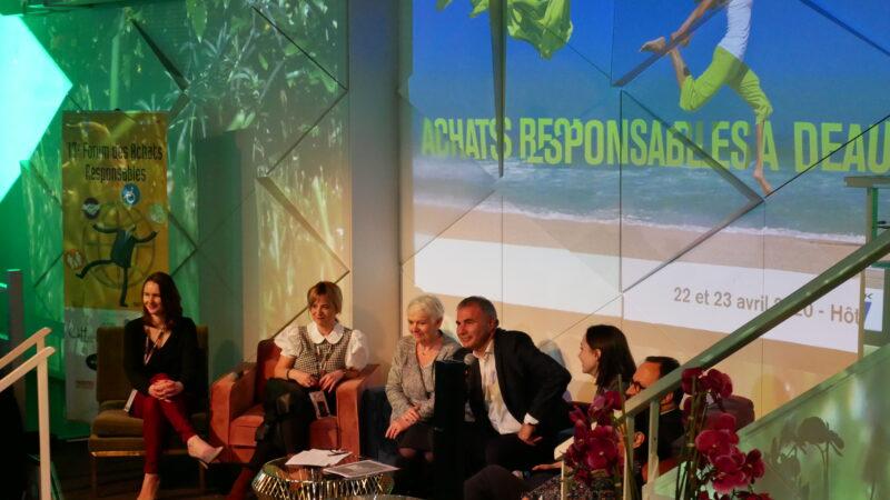 Scène avec intervenants du forum des achats responsables 2020 à Deauville